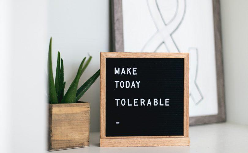 dekoračná tabuľka s citátom